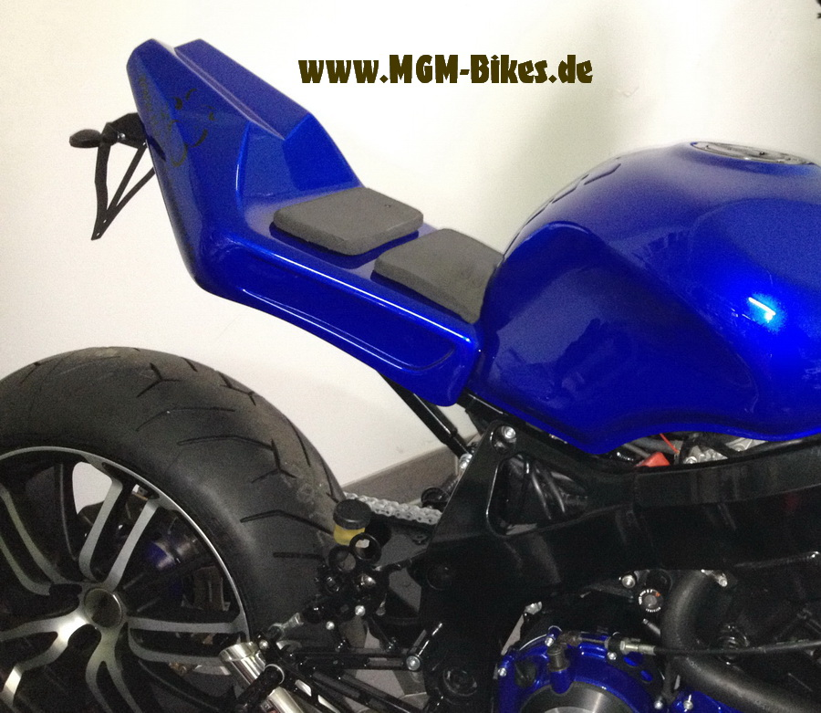 Höcker HE 88 STORM    kurz !  NEW!